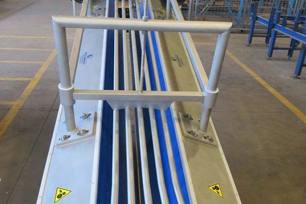 restrainer-ovinos-21396F4A9-74CF-1810-9C1B-0C854AF2BDA3.jpg